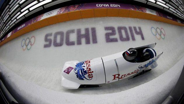 Rusové Alexander Zubkov a Alexej Vojevoda se stali olympijskými vítězi v závodu dvojbobů.