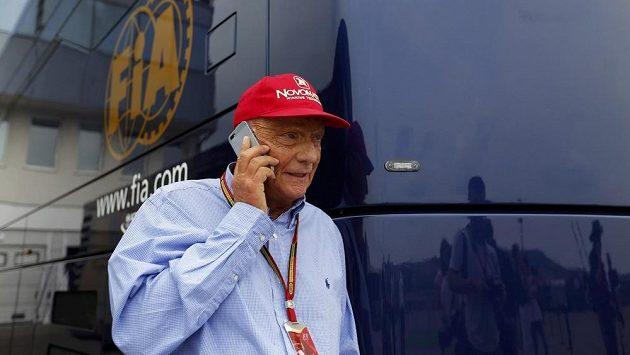 Šéf dozorčí rady stáje Mercedes a někdejší pilot formule 1 Niki Lauda.