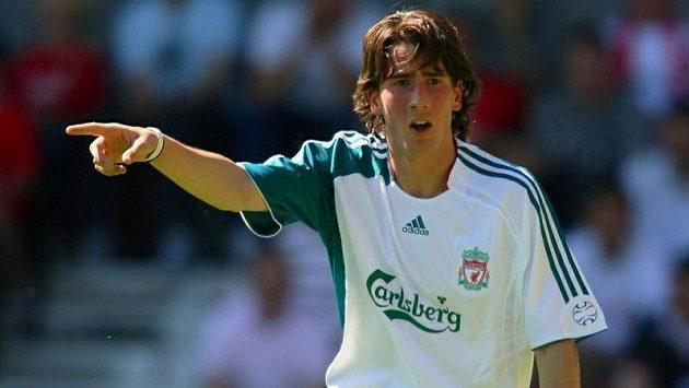 Miki Roqué v době, kdy oblékal dres Liverpoolu