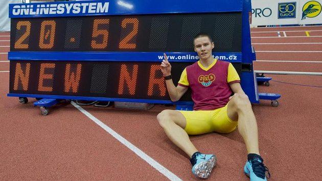 Sprinter Pavel Maslák z Dukly Praha vytvořil nový český rekord na 200 metrů časem 20,52 sekund.
