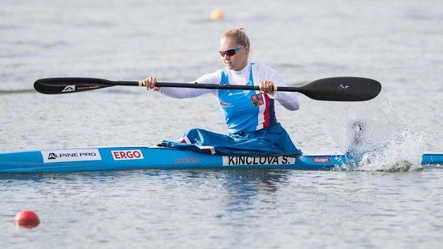 Kajakářka Sofie Kinclová v rozjížďce na 500 m během MS v Račicích.