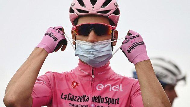 Portugalec Joao Almeida může stále živit naděje na celkové vítězství na Giro d´Italia.