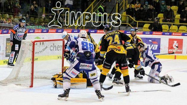 Hokejisté Litvínova se poprvé v extraligové sezóně předvedli pod vedením kouče Jiřího Šlégra - na domácím ledě hráli s Kometou Brno.
