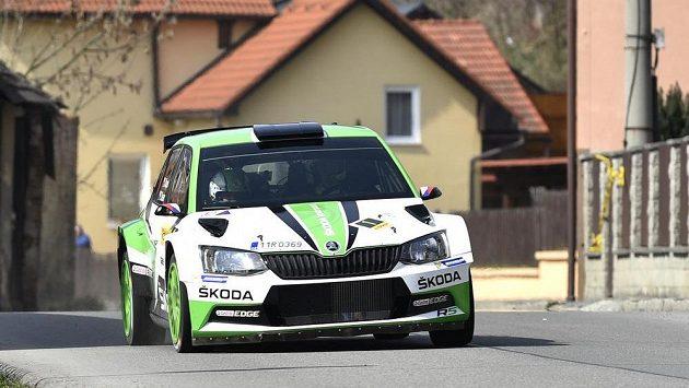 Posádka Jan Kopecký a Pavel Dresler s autem Škoda Fabia R5 na trati Valašské rallye.