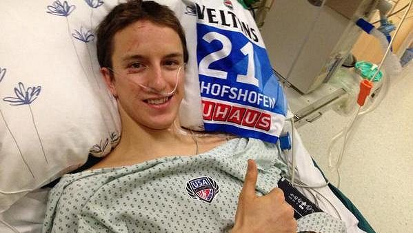 Americký skokan umístil na Twitteru vzkaz fanouškům a známým z nemocnice.