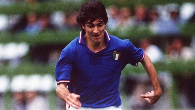 Takhle si Paola Rossiho pamatují fotbaloví fanoušci.