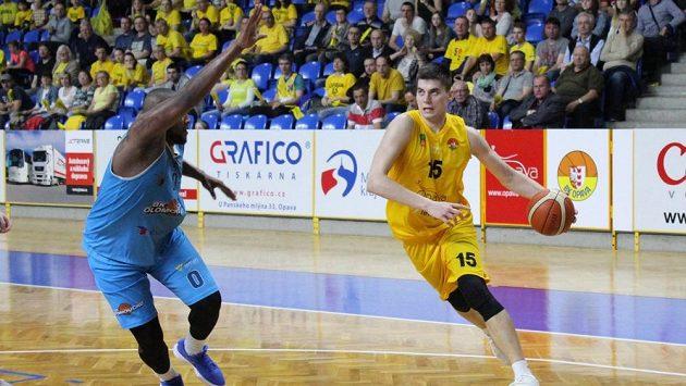 Opavským basketbalistům stačí jedna výhra k postupu do semifinále.
