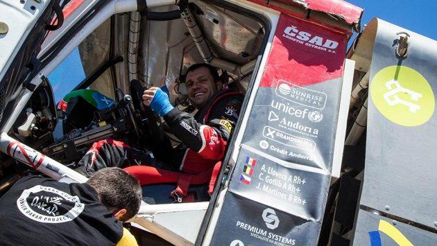 Albert Llovera za volantem tatry při Rallye Dakar.