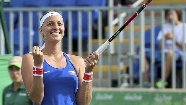 Tenistka Petra Kvitová se raduje po postupu do semifinále olympijského turnaje.