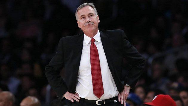 Mike D'Antoni opouští basketbalisty Los Angeles Lakers.