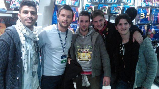 Marek Jankulovski s fanoušky Barcelony.