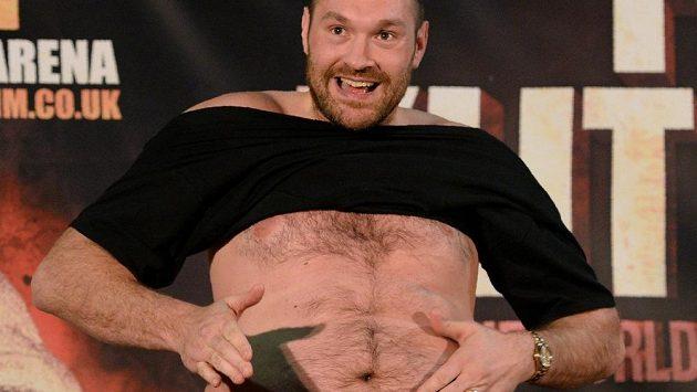 Tyson Fury si se životosprávou velkou hlavu nedělal, takto se ukázal před odvetou na tiskové konferenci s Vladimirem Kličkem.