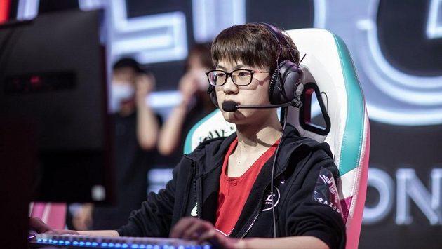 Jeden z hráčů čínské organizace Edward Gaming. Ilustrační foto