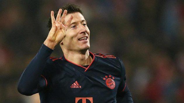 Hvězdný útočník Bayernu Robert Lewandowski dal v Lize mistrů čtyři góly za necelých patnáct minut.