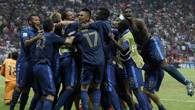 Francie se raduje z vítězství ve finále fotbalového mistrovství světa hráčů do 20 let.