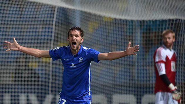 Marek Bakoš z Liberce se raduje z třetího gólu proti Mladé Boleslavi.