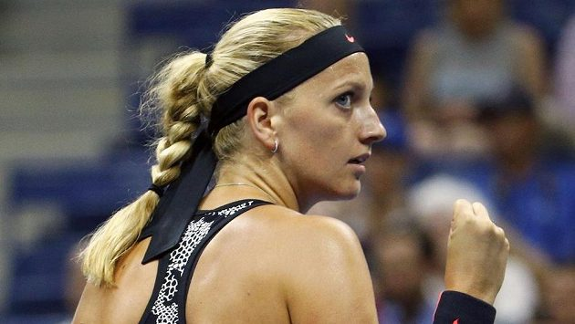 Česká tenistka Petra Kvitová s vítězným gestem během utkání úvodního kola US Open.