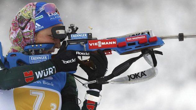 Německá biatlonistka Franziska Preussová na trati závodu Světového poháru v Oberhofu.