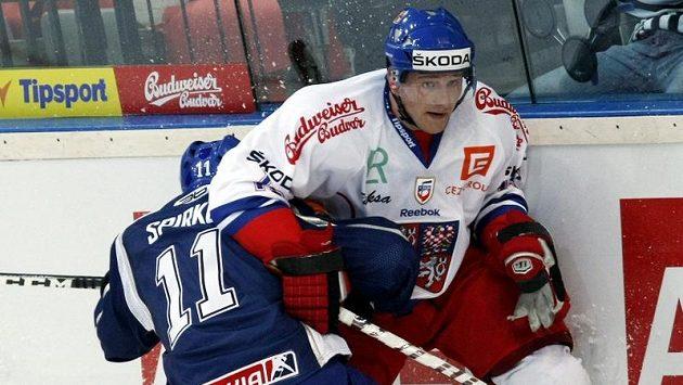 Jiří Tlustý (vpravo) v souboji se Slovákem Rastislavem Špirkem.