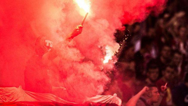 Fotbaloví fanoušci v Bulharsku - ilustrační foto