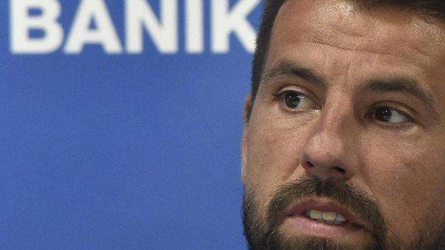Fotbalista Milan Baroš v Ostravě na tiskové konferenci oznámil, že po sezoně ukončí v 38 letech aktivní kariéru.