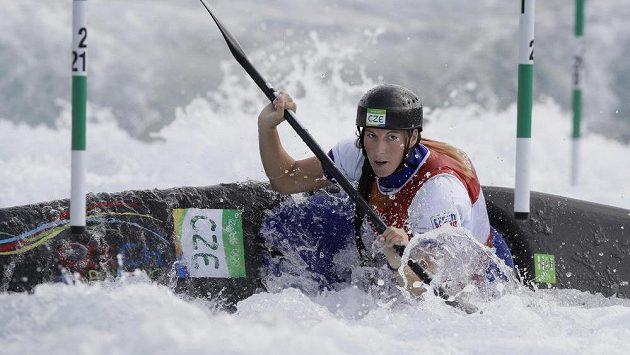 Kajakářka Kateřina Kudějová během pondělní kvalifikace.