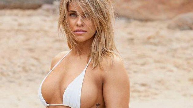 Zápasnice MMA, nejprestižnější organizace UFC. Paige VanZantová si odskočila z klece na pláž.