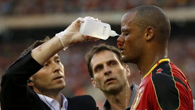 Kompany dohrál utkání proti Srbsku navzdory nepříjemnému zranění.