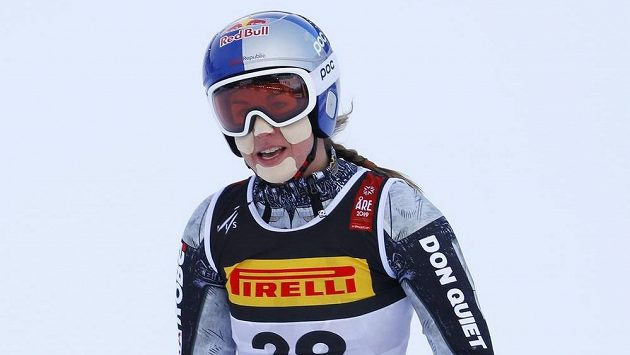 Zklamaná Ester Ledecká v cíli super-G na MS v Aare.