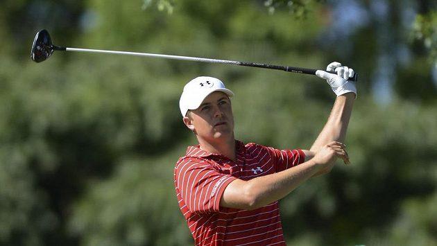 Americký golfista Jordon Spieth během turnaje The Barclays, kde neprošel cutem a přišel o post světové jedničky.