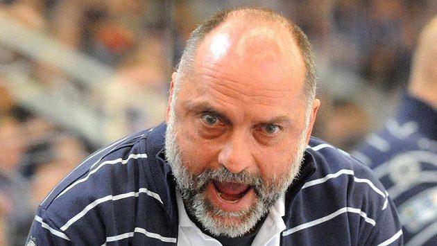 Trenér brněnské Komety Vladimír Kýhos během třetího utkání se Spartou.