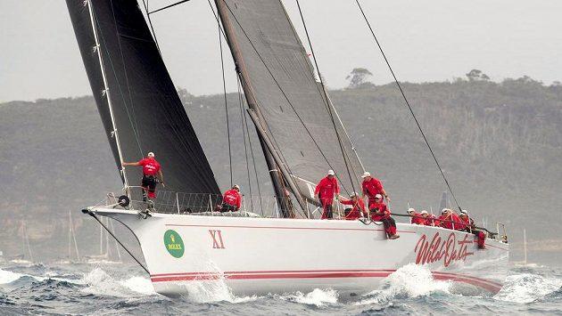 Jachta Wild Oats na trati závodu ze Sydney do Hobartu.