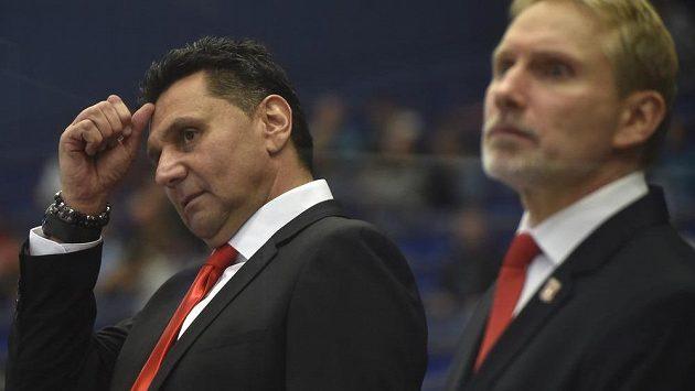 Trenéři Hradce Králové (zleva) Vladimír Růžička a Tomáš Martinec.