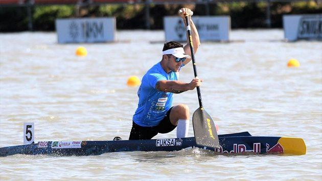 Kanoista Martin Fuksa pří rozjížďce na mistrovství světa v Szegedu.