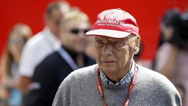 Niki Lauda na letošním červencovém snímku ze Silverstone.