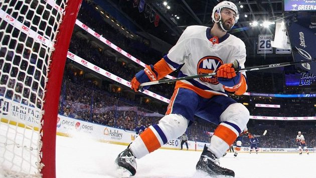 Osmiletou smlouvou si New York Islanders pojistili kanadského obránce Adama Pelecha.