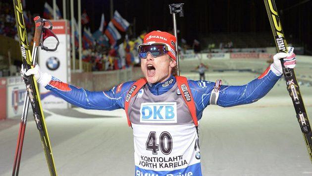 Český biatlonista Ondřej Moravec slaví na MS v Kontiolahti bronzovou medaili z vytrvalostního závodu na 20 km.