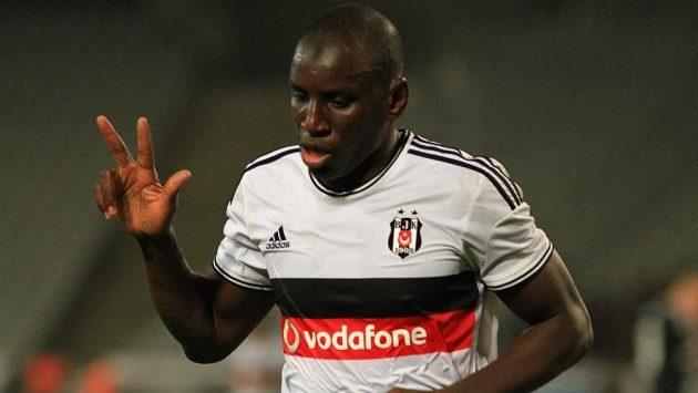 Demba Ba už střílí góly za turecký Besiktas Istanbul.