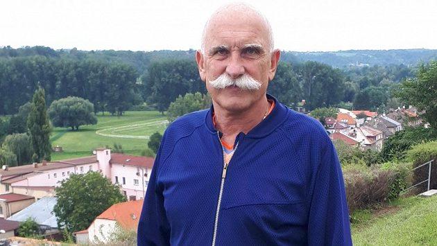 Někdejší prvoligový a mezinárodní rozhodčí Pavlín Jirků.