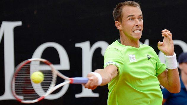 Lukáš Rosol na snímku z finále antukového turnaje ve Stuttgartu proti Španělovi Robertu Bautistovi.