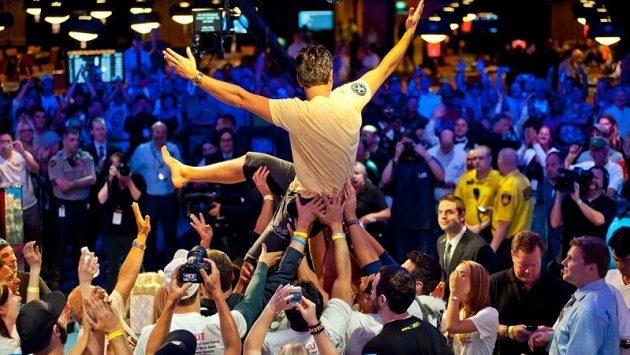 Už zbývá jen 9 finalistů, jeden z nich se stane světovým šampionem.