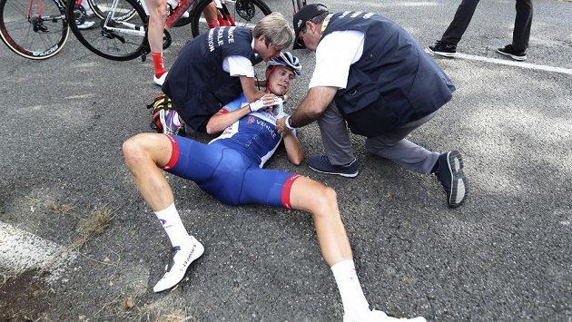 Nizozemský cyklista Niki Terpstra má po pádu v jedenácté etapě Tour de France zlomenou lopatku