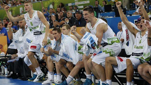 Slovinská lavička jásá. Basketbalisté přehráli na domácím ME celek Itálie.