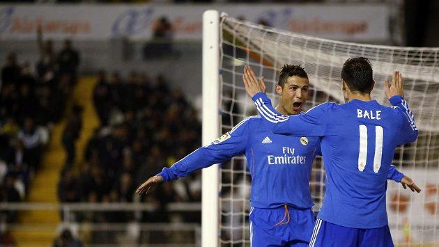 Hvězdy Realu Madrid Ronaldo s Balem oslavují gól do sítě Vallecana