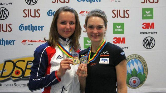 Kateřina Emmons (vpravo) a Adéla Sýkorová.