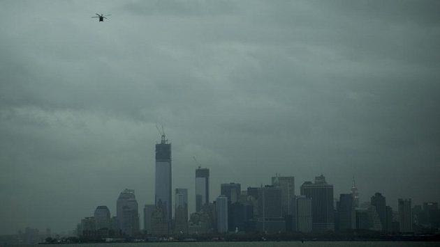 Napjatá situace v New Yorku kompliku je pořádání slavného maratónu.