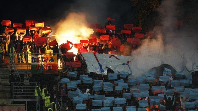 Rozzuření fotbaloví fanoušci (ilustrační foto)