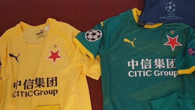 Zelený dres pro tým, žlutý pro brankáře Slavie...