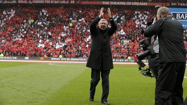 """Sir Alex Ferguson se rozloučil v """"Divadle snů"""" s fanoušky Manchesteru United."""