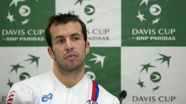 Radek Štěpánek během losování před finále Davis Cupu v Srbsku.